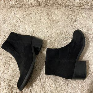 Express Black Ankle Low Booties SZ 6